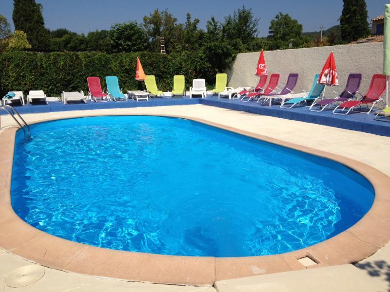 Camping avec piscine callian fayence montauroux var 83 for Camping sarthe avec piscine